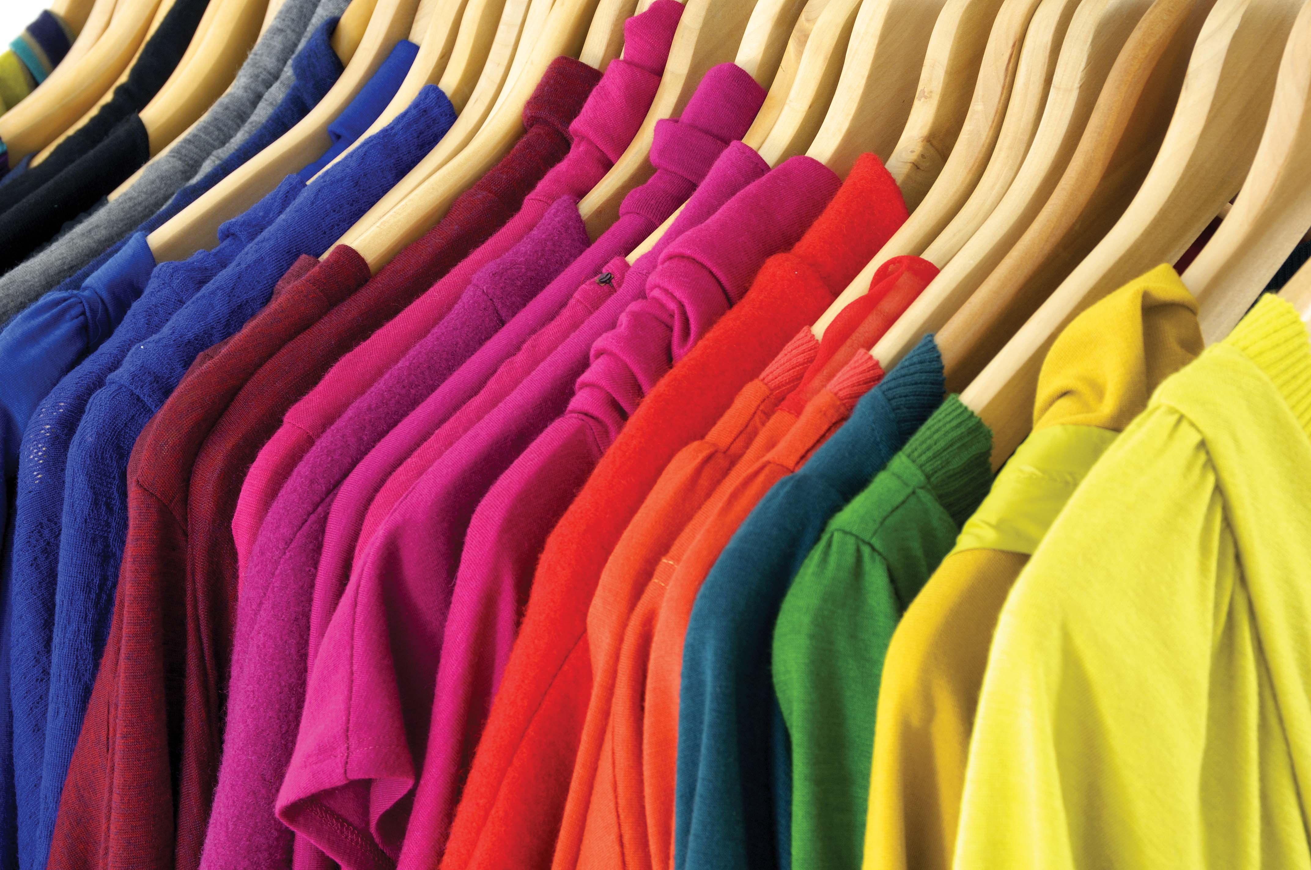 nouns  What is the difference between clothes and